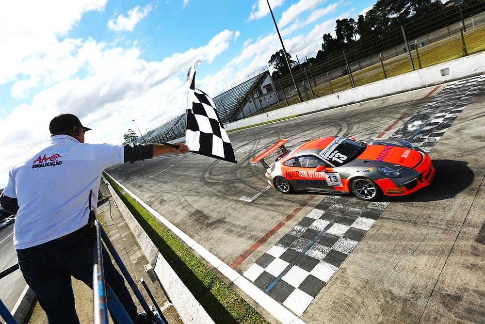 Miguel Paludo - Vencedor da 1ª corrida da Porsche GT3 Cup
