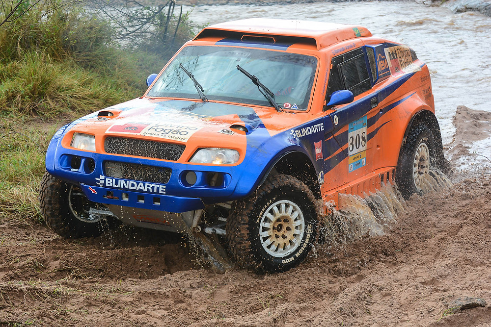 Reinaldo Varela e Gustavo Gugelmin dominam no Brasileiro de Rally Cross Country