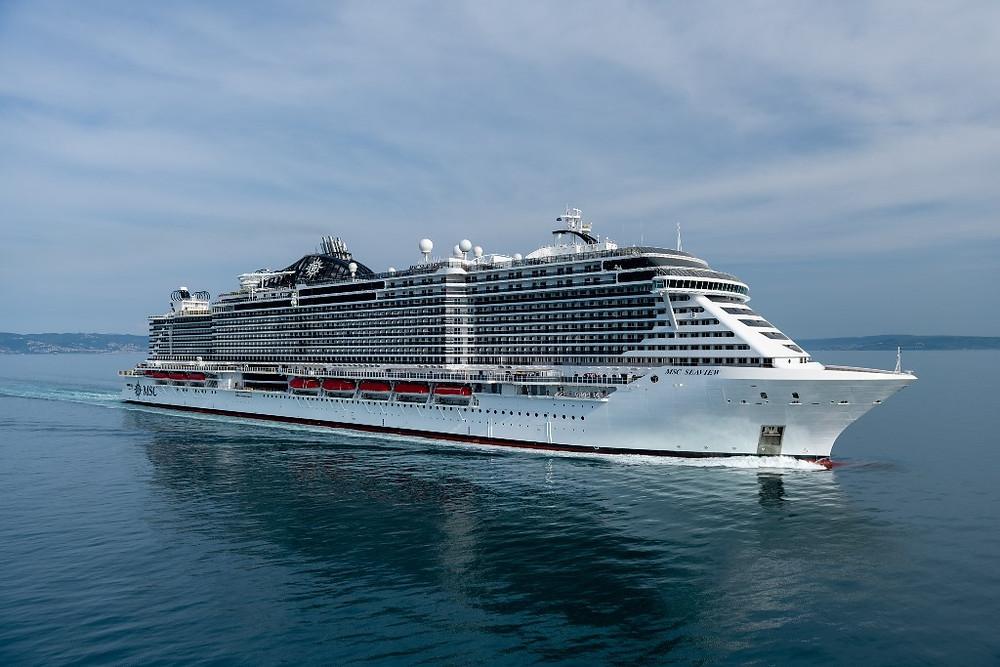 MSC Seaview é batizado em cerimônia glamorosa no porto histórico de Gênova