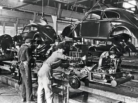 75 anos atrás em Wolfsburg começava a produção do Volkswagen Beetle