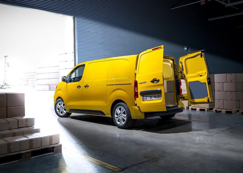 Opel Vivaro-e chega ao mercado europeu para atividades comerciais no modo elétrico
