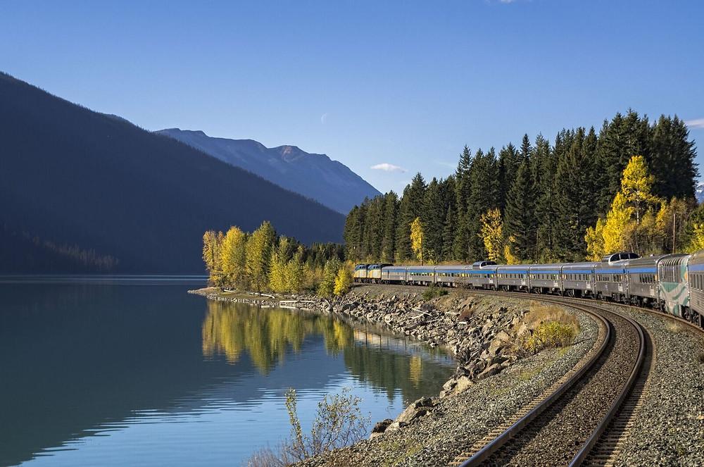 Turismo no Canadá bate recorde, e recebe cada vez mais brasileiros que buscam viagens de trem.