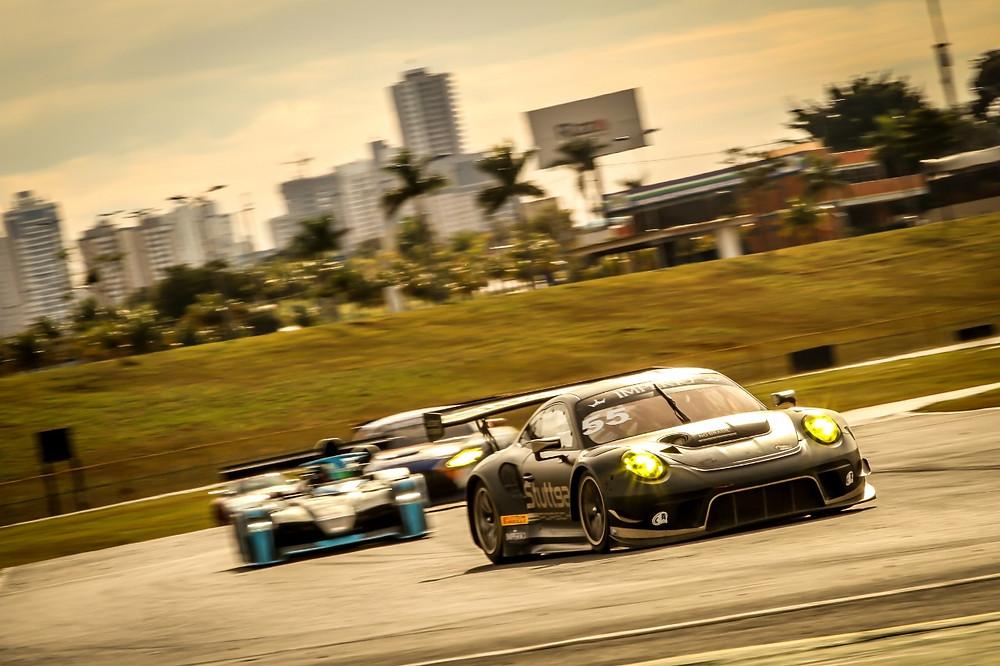 Na GT3, Porsche da Stuttgart Motorsport vence na abertura do Endurance Brasil