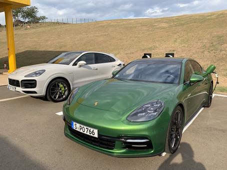 Porsche Brasil instala 2 carregadores elétricos no Autódromo Velocitta