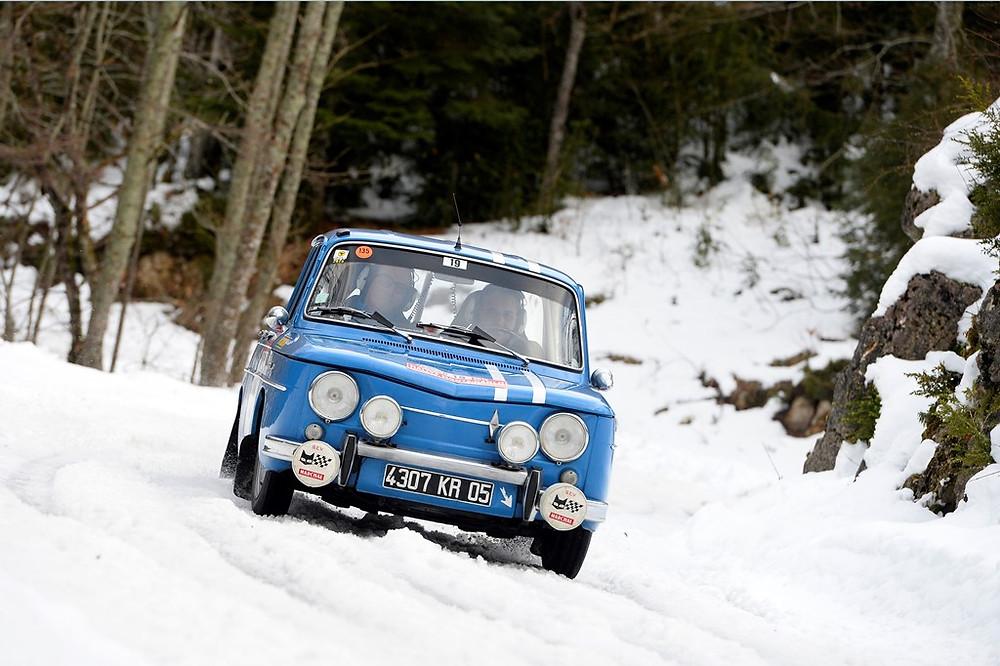 Quatro Renault 8 Gordini participam na XXª edição do Rali Monte-Carlo Histórico.