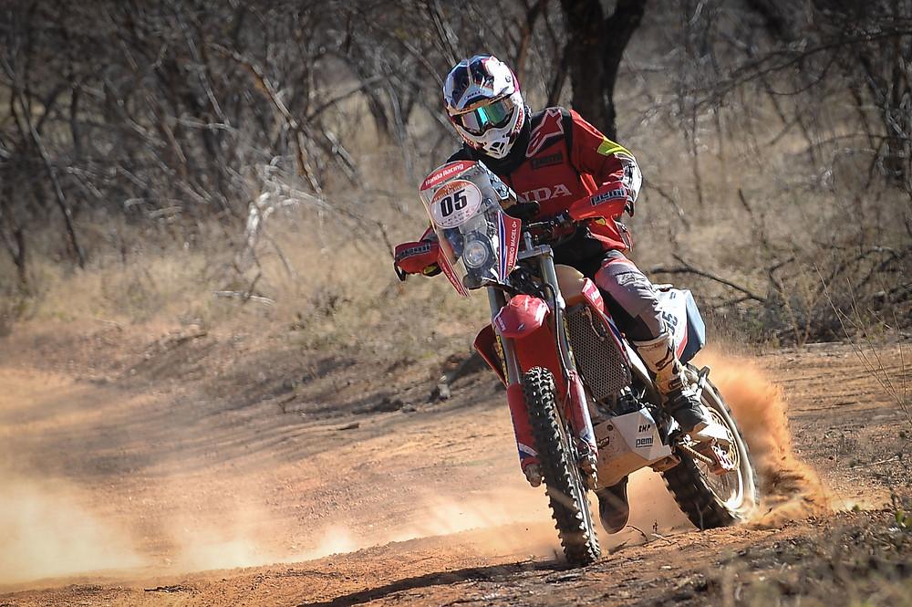 Tunico Maciel segue na liderança nas motos