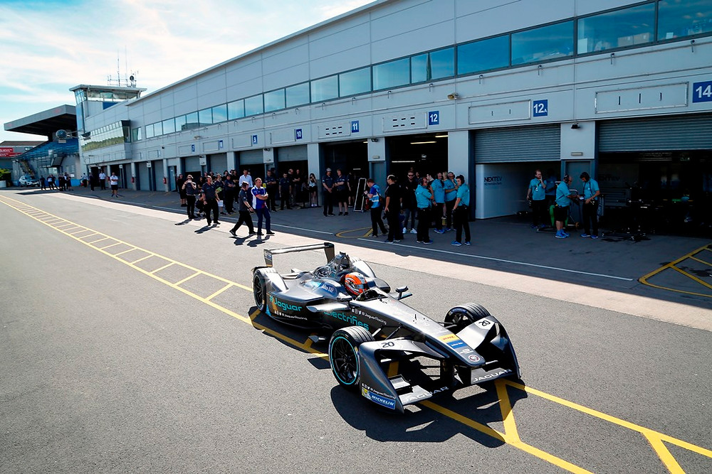 Jaguar I-Type para a Fórmula E, já fez testes na pista
