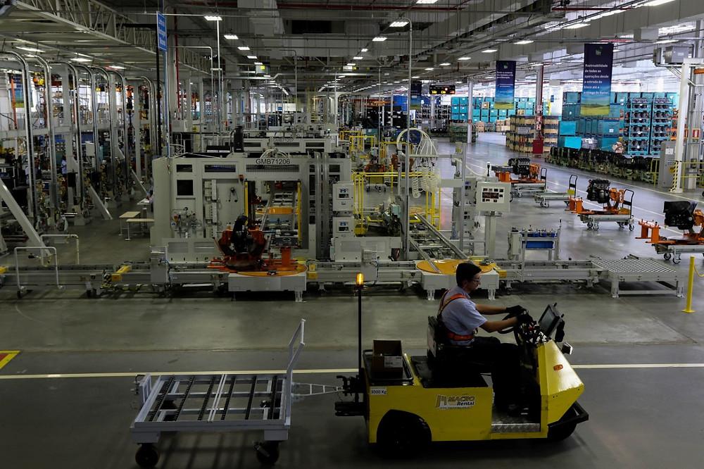 Fábrica da GM em Joinville comemora quatro anos de atividade e mais de 350 mil motores produzidos.