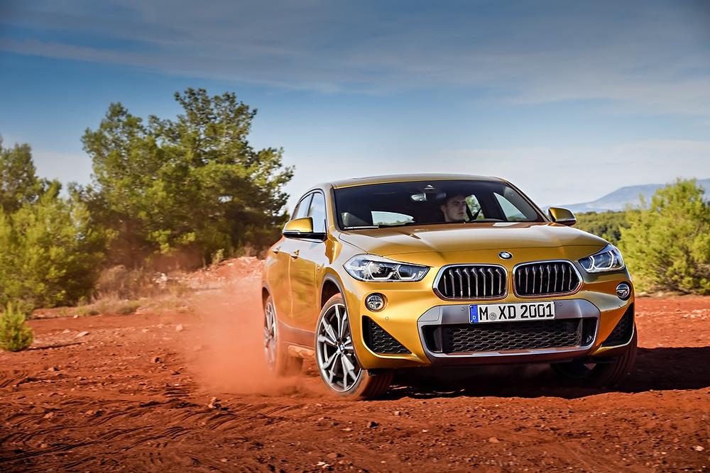 BMW apresentará novos X4 e M3 CS no Salão de Genebra