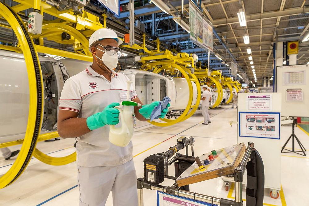 FCA retoma produção de veículos no Brasil