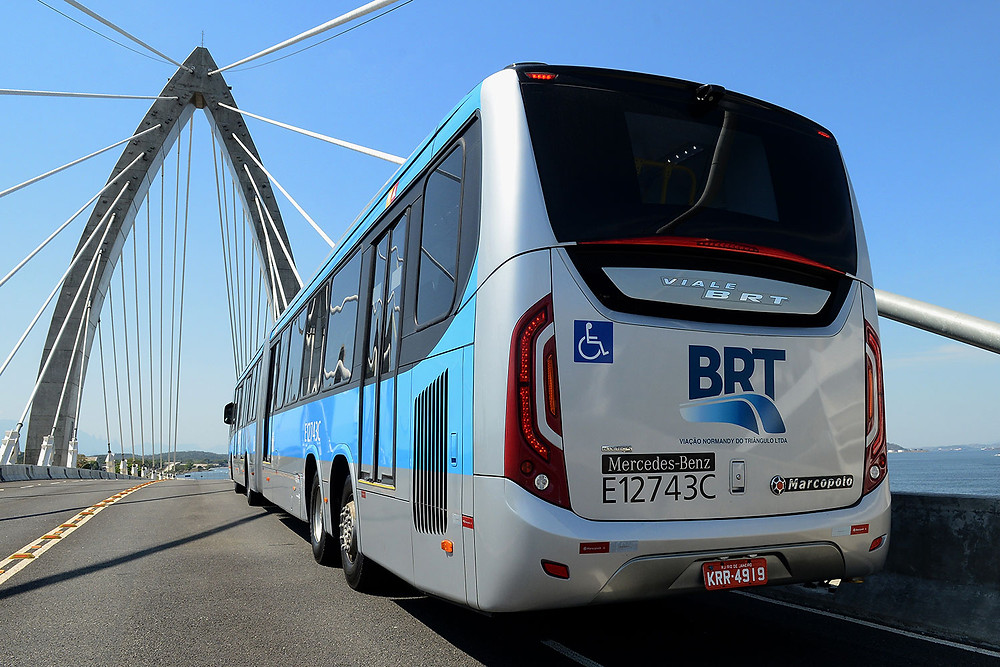 Mercedes-Benz do Brasil mostra superarticulado  para sistema BRT