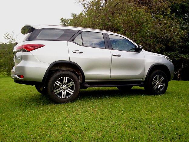 Toyota SW4 SR, distinção e diversão garantidas no verdadeiro SUV.