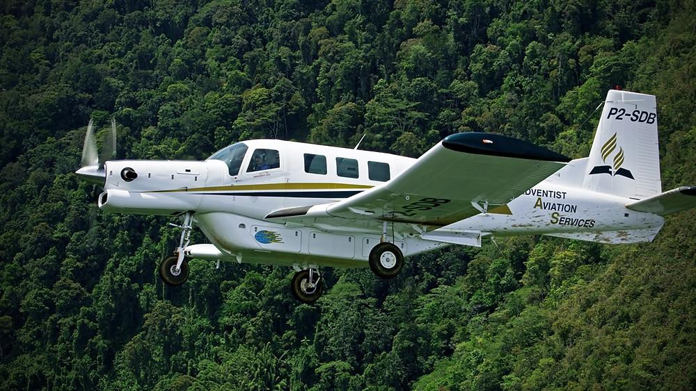 Avião utilitário P-750 XSTOL capaz de decolar e pousar em pistas extremante curtas chega ao Brasil este mês