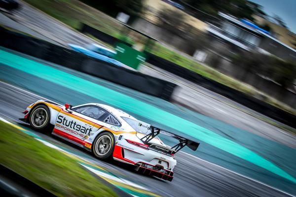 Porsche 911 GT3 R da dupla Ricardo Maurício e Marcel Visconde