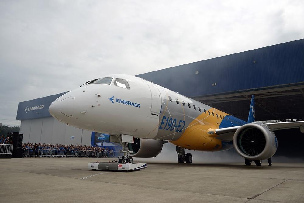 Embraer apresenta o E190-E2