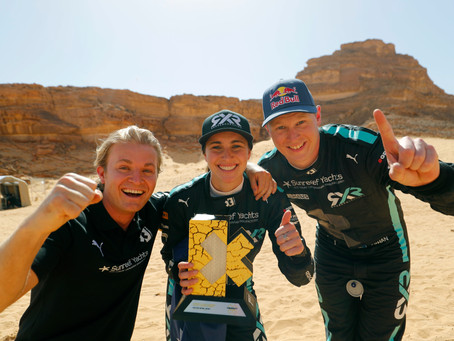 Extreme E: Equipe de Rosberg com os pilotos Johan Kristoffersson e Molly Taylor vence no deserto