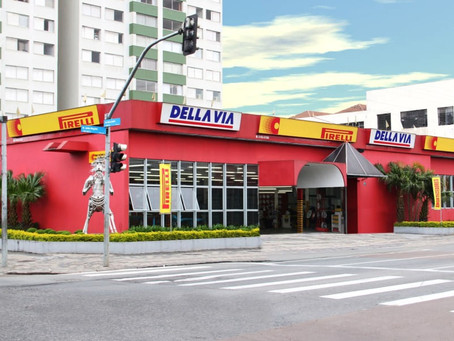 Monroe renova parceria com a DellaVia Pneus
