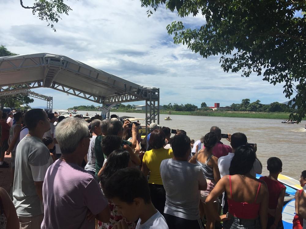 Festival náutico recebeu centenas de pessoas às margens do Rio Tijucas