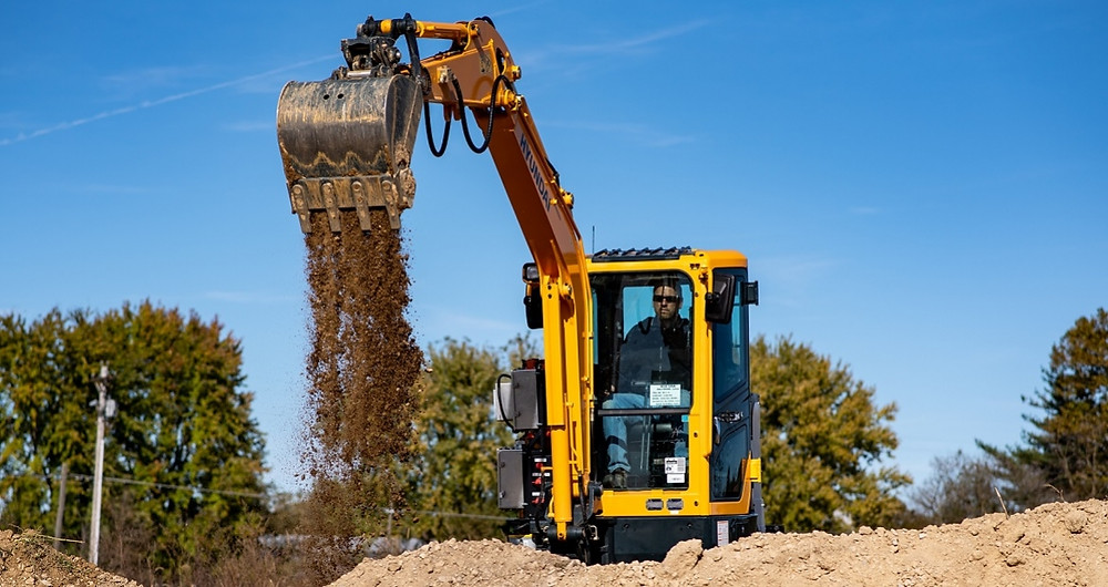 Cummins e Hyundai Construction Equipment anunciam o desenvolvimento de mini escavadeira elétrica