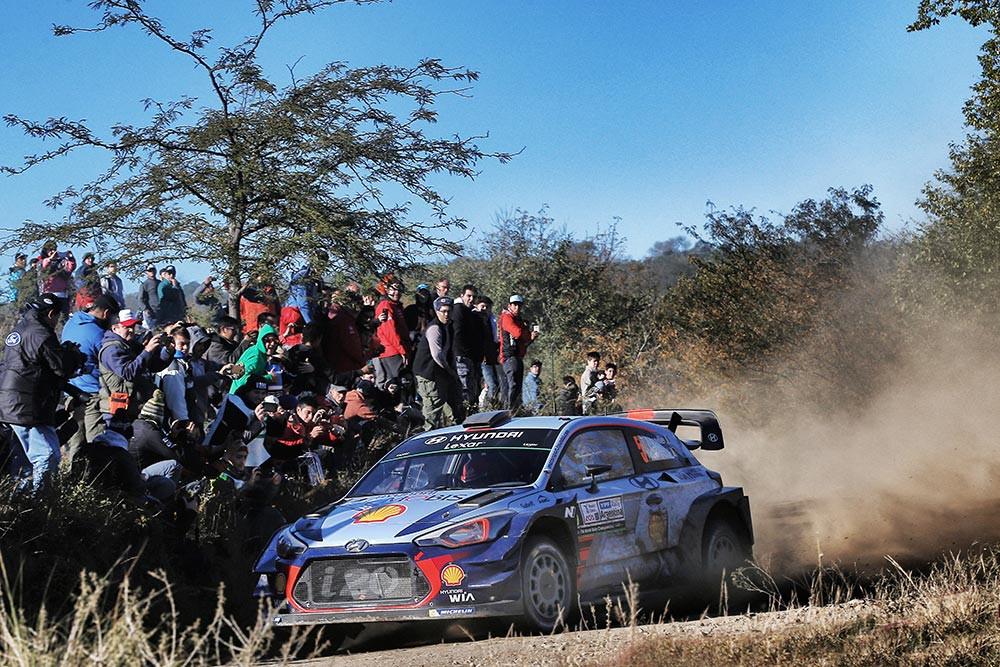 Neuville / Gilsoul (Hyundai i20 WRC)
