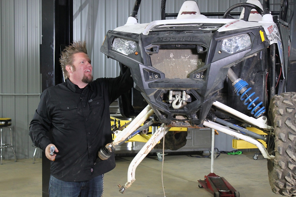 Lazer: Em segunda temporada, Ian Johnson mostra construção de veículos 4X4