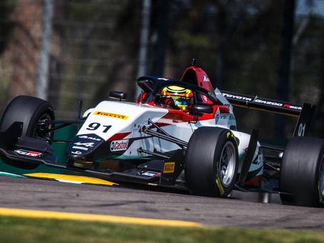 Dudu Barrichello estreia no automobilismo europeu em Ímola