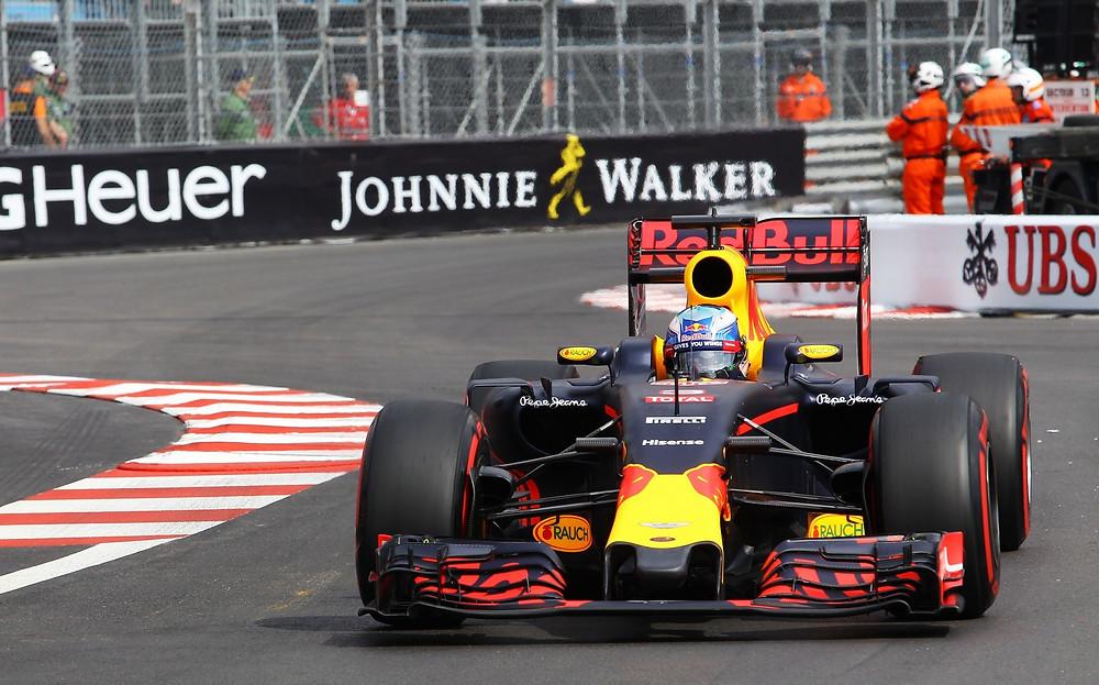 Daniel Ricciardo foi o mais rápido do dia no Mônaco
