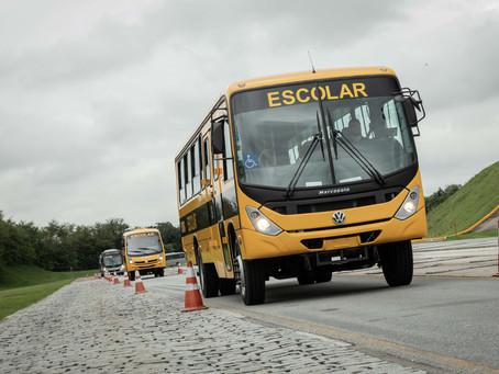 Volkswagen conclui entrega de 700 ônibus para transporte de estudantes em São Paulo