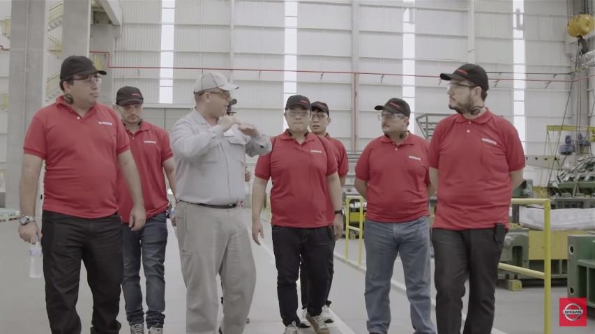 Nissan reúne entusiastas da marca para conhecer o Complexo Industrial de Resende