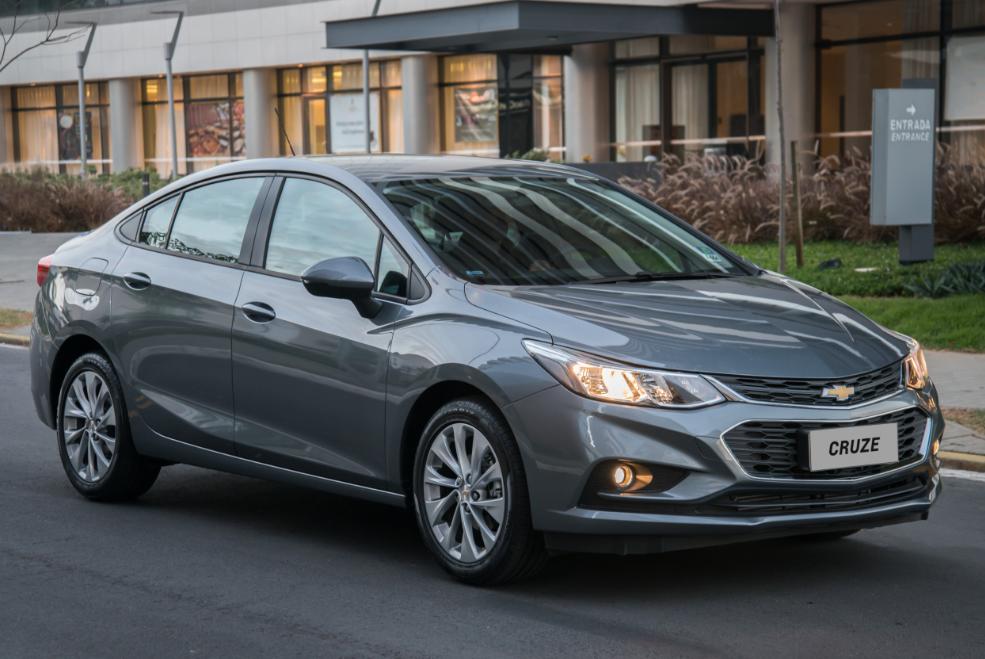 Modelo 2018 do Chevrolet Cruze chega com ajustes nos itens de série