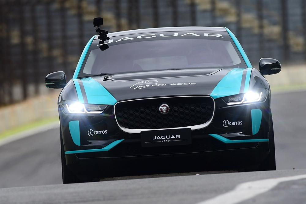Jaguar leva SUV elétrico I-Pace para Interlagos para desafio entre Cacá Bueno é Sergio Jimenez