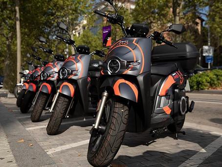 Marca espanhola Seat lança serviço de motosharing em Barcelona com 632 eScooters