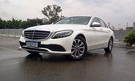 Mercedes-Benz C180  Versão Exclusive é a porta de entrada para os luxuosossedans da marca germânica