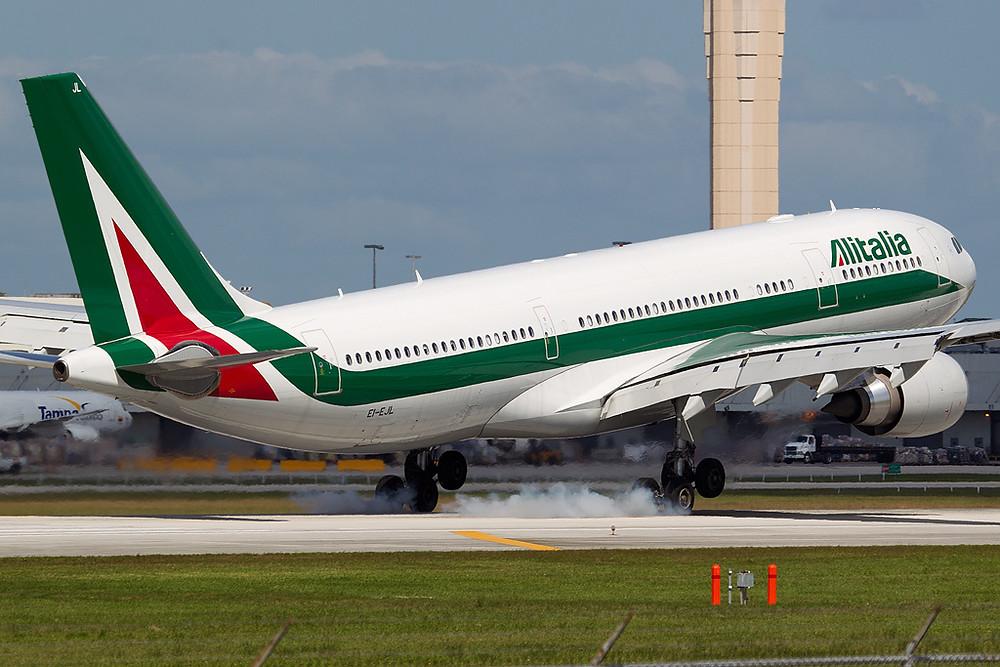 Aviação: Alitalia pede mais ajuda financeira para não parar de operar