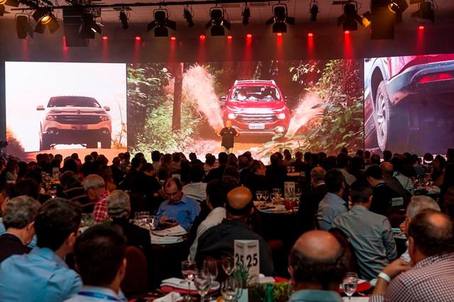 Mais de 150 jornalistas e formadores de opinião participam do lançamento do Fiat Toro