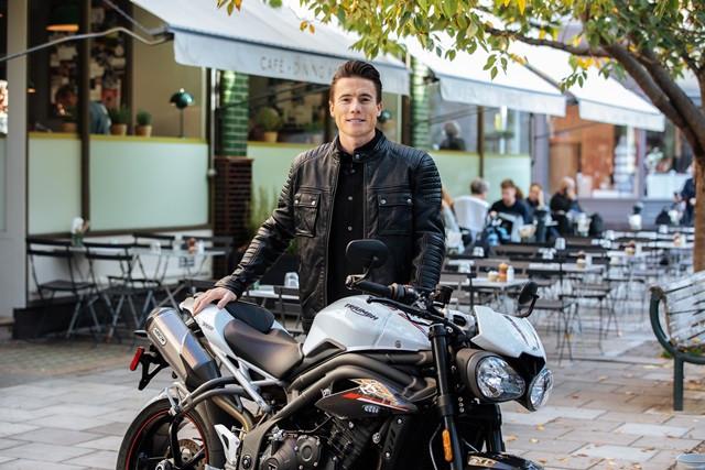 Fornecedora de motores para a Moto2 em 2019, a Triumph anuncia o piloto inglês James Toseland como novo embaixador da marca