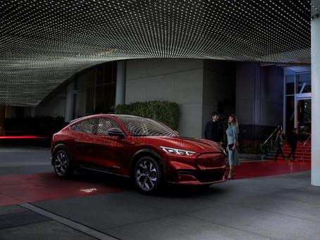Expressas: Ford já produz mais modelos Mustang elétricos que a gasolina