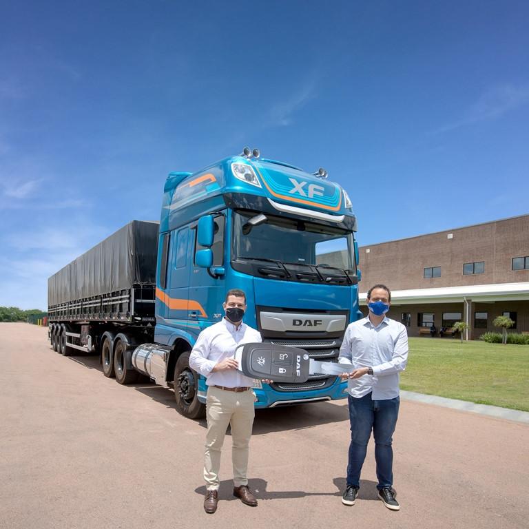 DAF vende 71 unidades do Novo XF para a Ademir Transportes