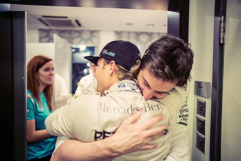 Nico Rosberg surpeende o mundo da Fórmula 1 e abandona categoría após título