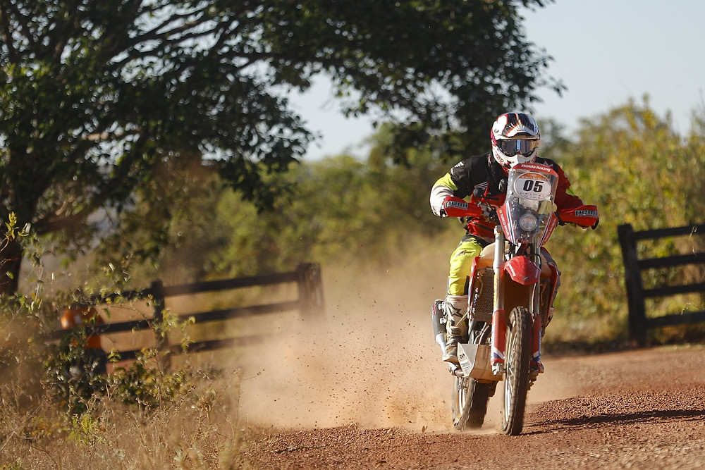 Tunico Maciel venceu as duas especiais do Sertões nas motos