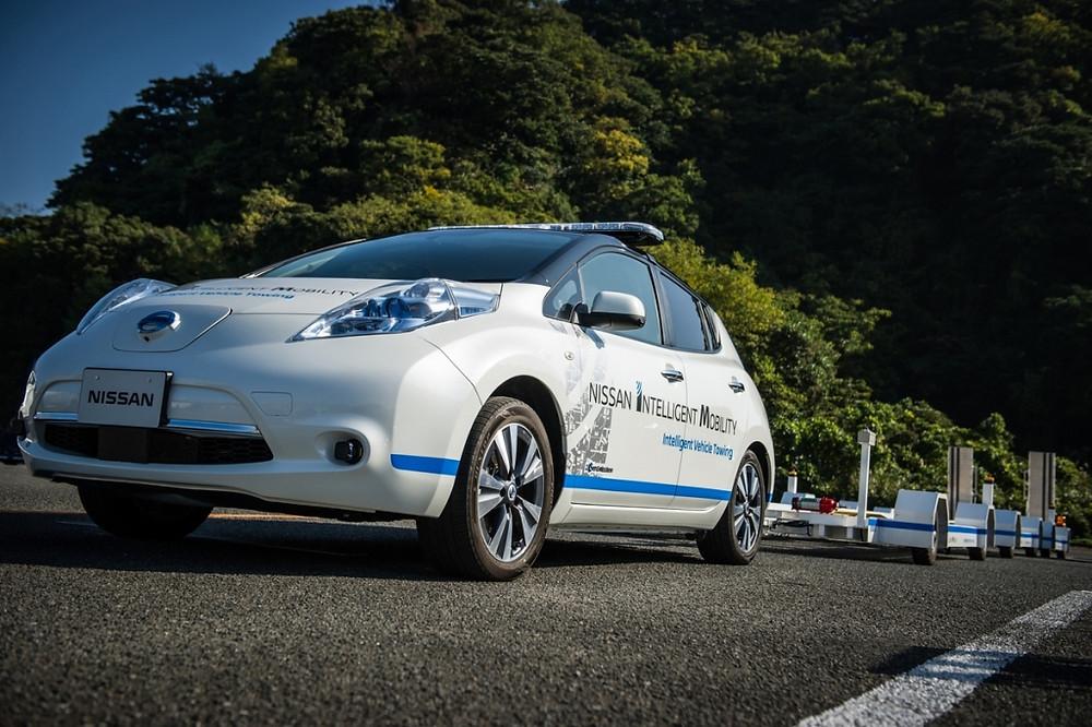 Nissan lança sistema de reboque autônomo na fábrica de Oppama, no Japão