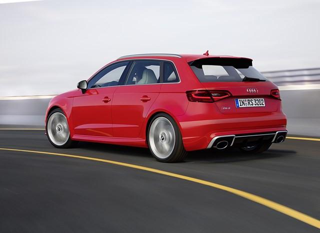 Topo de linha da família A3, o RS 3 Sportback chega com 367 cv de potência