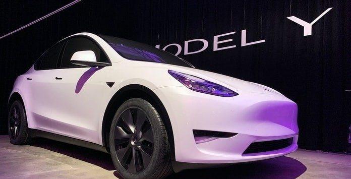 Tesla inicia a produção do modelo Y com 500 km de autonomia