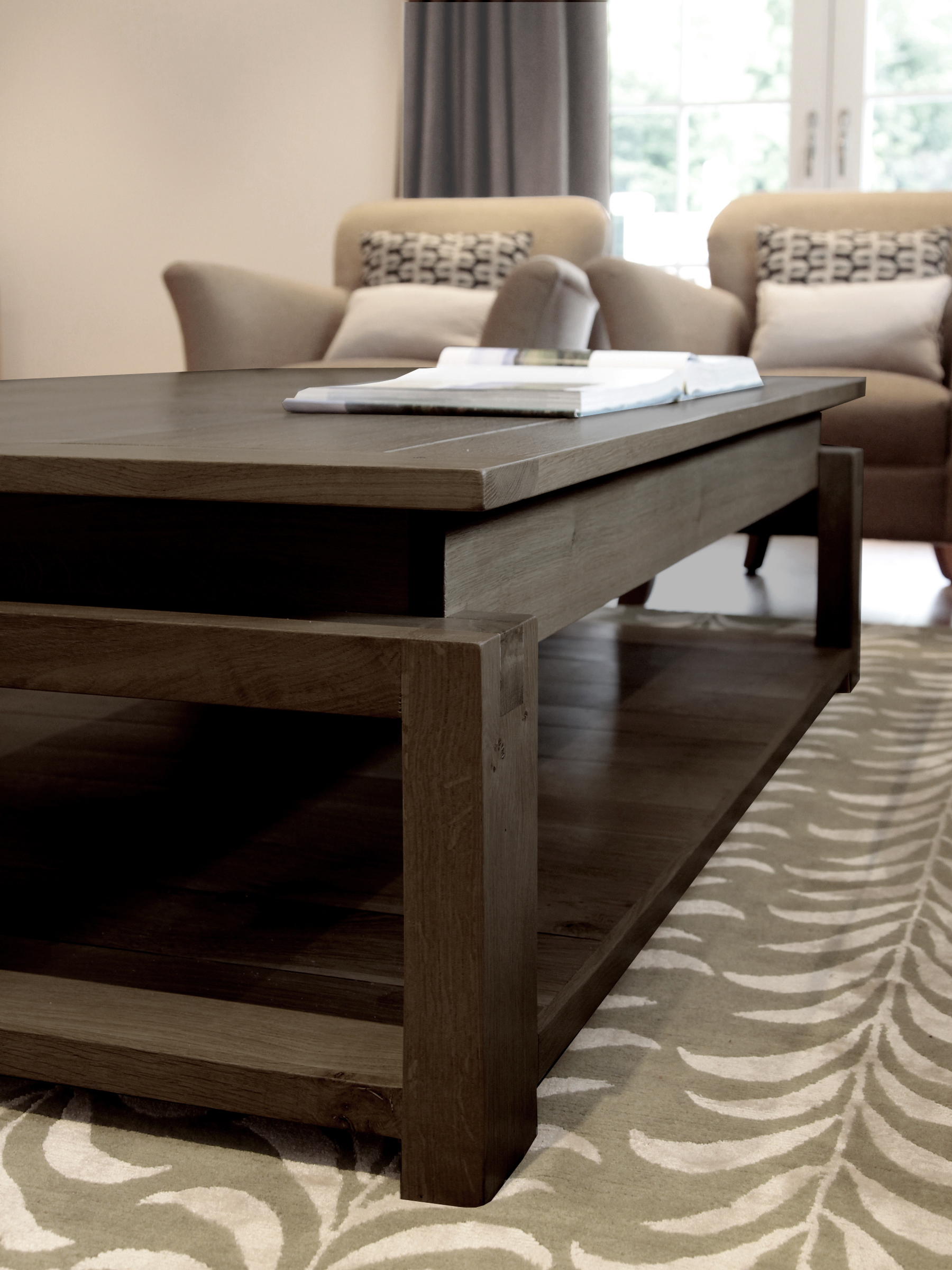 HAmpshire interior design living room Table