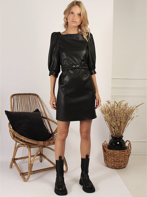 Robe en simili cuir noire