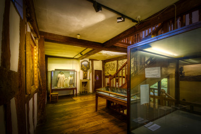 16th-century wall art room
