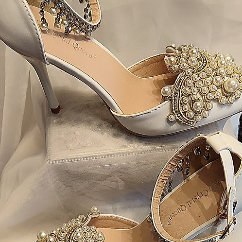Bridal Shoes with ankle strap size 6