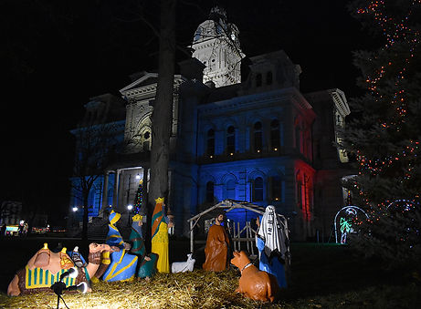 Sidney Courthouse with Baby Jesus.jpg