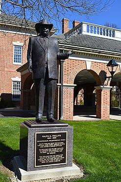 Statue in Shelby.jpg