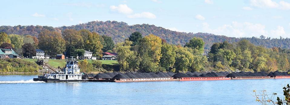Tug Boat on the Ohio River 1.jpg